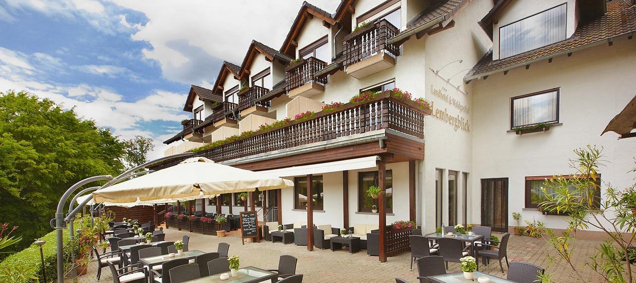 Hotel_und_Waldgasthof_Lembergblick_Willkommen1